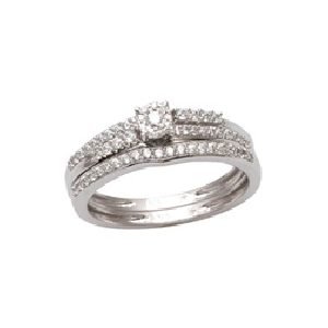 10Karat White Gold with 0.33 Carat Diamonds Cluster Solitaire Bridal Set